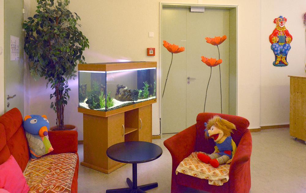 PWG Hoefli Sitzecke mit Aquarium